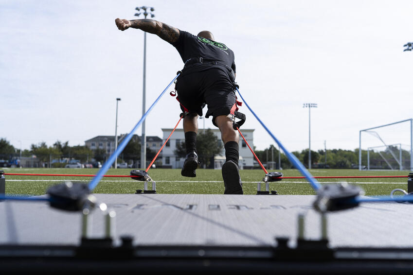 guy loading high speed vertimax V8_063