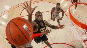 Morris Udeze jump and dunk