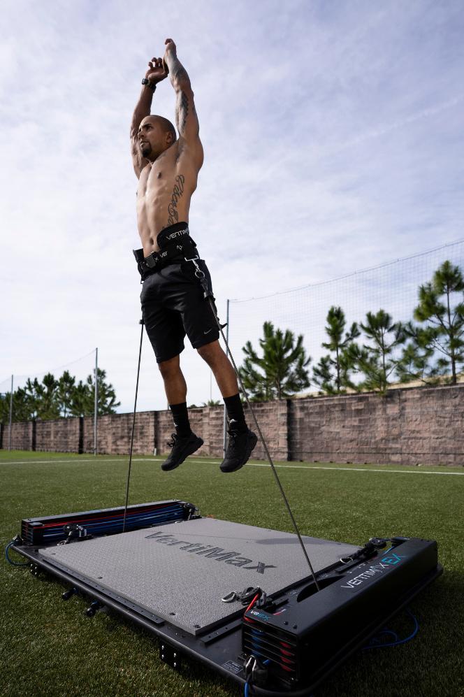 athlete-jumping-v1